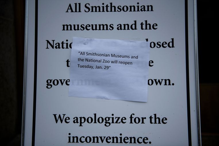 Een aantal musea, zoals hier het Smithsonian en de zoo in Washington DC, zullen morgen pas opnieuw open gaan.