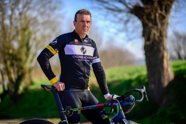 Otus viert de 10de verjaardag met een fietstocht met Johan Museeuw.