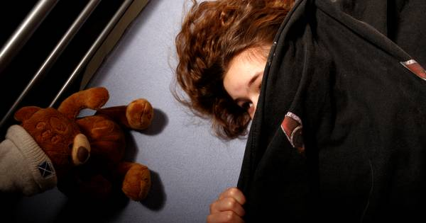 Man (46) na misbruiken 10-jarige stiefdochter in Nijkerk: 'Een ongemakkelijke situatie'
