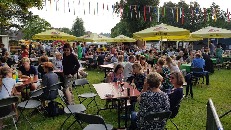 Er trok elk jaar heel wat volk naar Jazz Zottegem in het Egmontpark.