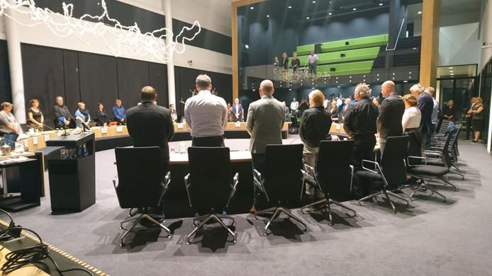 De Osse gemeenteraad houdt voorafgaand aan de raadsvergadering een minuut stilte.