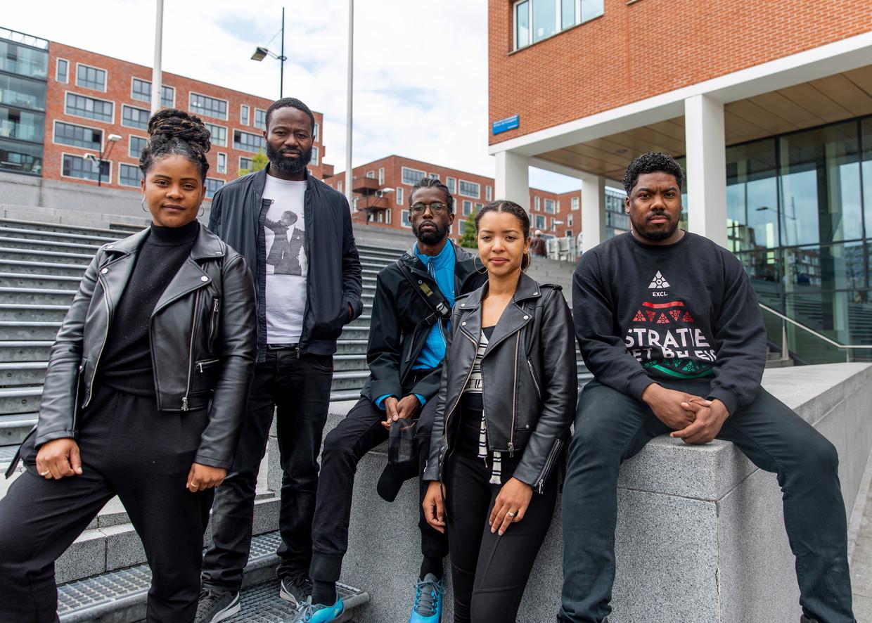 Black Lives Matter: Samantha Everduim, Jerry Afriyie, Levison Gijsbertha, Joyce Wildschut, Gideon Everduim. Beeld Lin Woldendorp