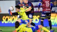 VIDEO. STVV doet een gouden zaak na late frommelgoal, de videoref speelt ook een hoofdrol op Stayen