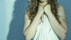 Jonge transgender verkracht en aangerand door lief van oma: dader riskeert 40 maanden cel
