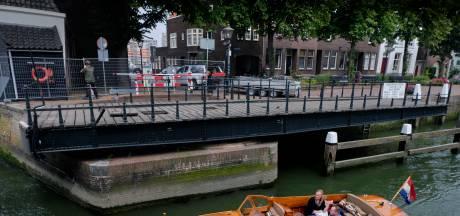 Voorlopig niet over de Mazelaarsbrug: 'Het zijn geen haarscheurtjes, het is wel iets meer'