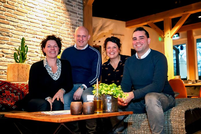 Hooihuis eigenaars Lisette Bakker, Koen Bakker, Evelien Vastenhout en Luuk de Man.