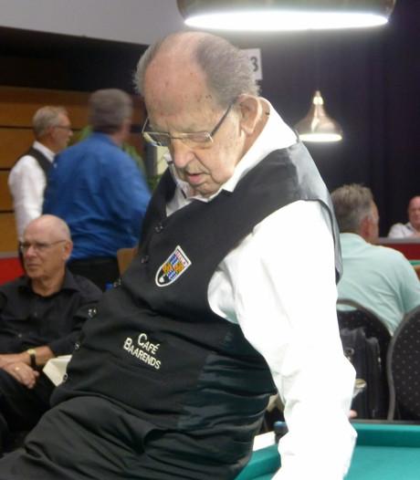 93-jarige Jan de Jonge maakt indruk op NK driebanden