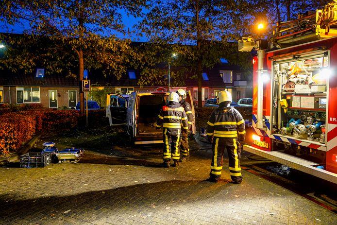 Bestelwagen cateraar vat vlam in Oosterhout