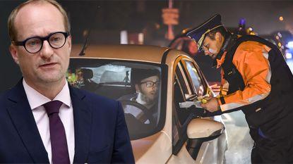 "Weyts wil af van ""hypocriete verklikkers"" die bestuurders waarschuwen voor alcohol- en flitscontroles"