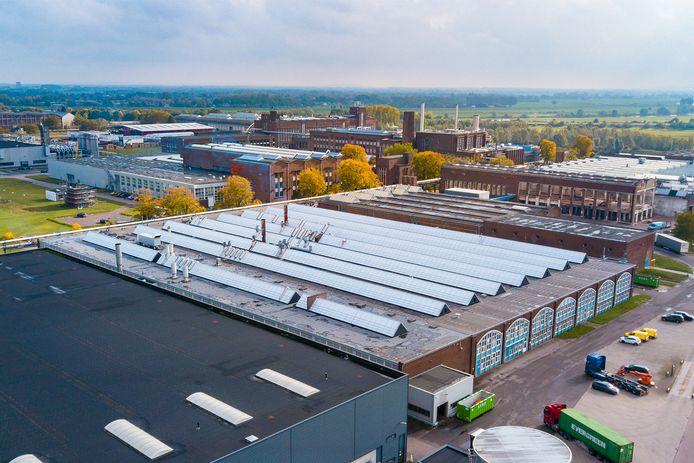 Zo ziet Arnhem het graag: zonnepanelen op daken van bedrijven, zoals in dit geval op Industriepark Kleefse Waard.