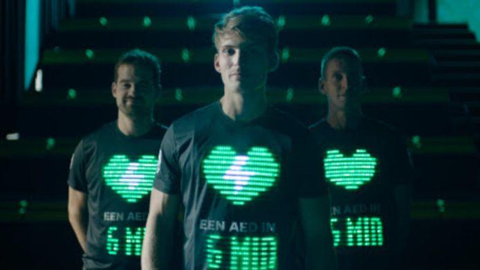 Philips presenteerde vorig jaar AED-shirtjes in de Marathon Eindhoven.