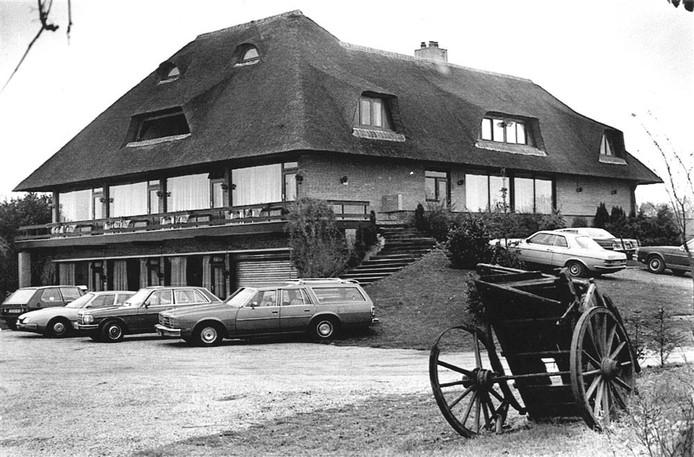 Een archieffoto van de villa van Van der Valk, genomen in 1982.