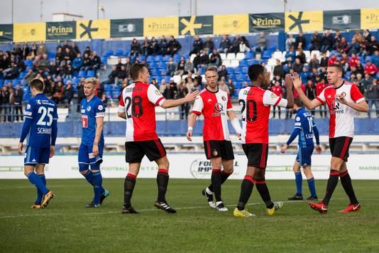 Juichende Feyenoord spelers na de 2-1 van Renato Tapia.