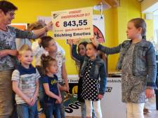 Roparun-comité Ossendrecht deelt stevige cheques uit aan goede doelen