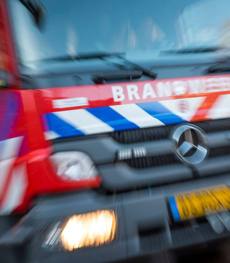 Bewoners gewaarschuwd en wegen dicht om grote brand Alkmaar