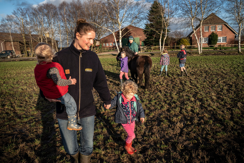Het gezin van Syds-Jan en Sytske Boersma verhuisde van Nederland naar Nieuw-Zeeland en vervolgens naar Duitsland om een boerenbedrijf te beginnen.