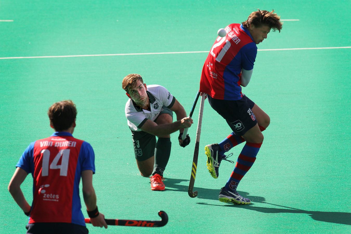 Brent van Bijnen (op archiefbeeld) speelt volgend jaar voor Amsterdam.