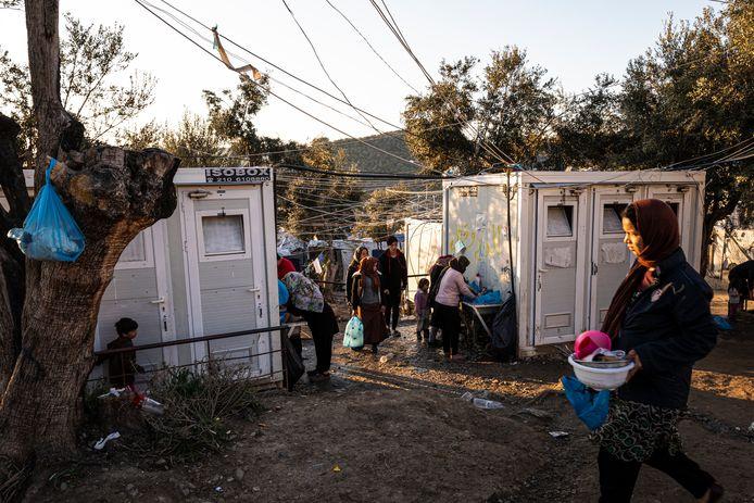 Op Lesbos verblijven momenteel zo'n 20.000 vluchtelingen.