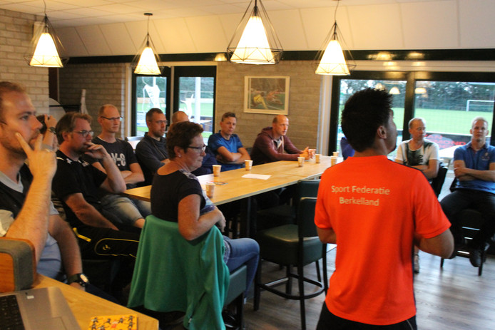 Beeld van de SFB-trainingsintroductie in Gelselaar.
