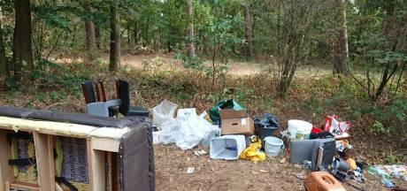 Parkeerplaats Chaamse Bossen gebruikt als stortplaats, vermoedelijke dumper krijgt boete
