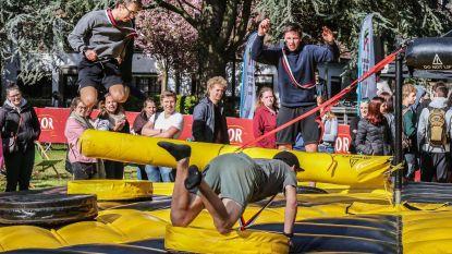 Studenten feesten in Blauwe Poort