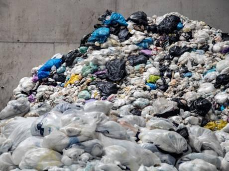 Vrees voor stinkende luiers en kattenbakvulling door nieuw afvalplan