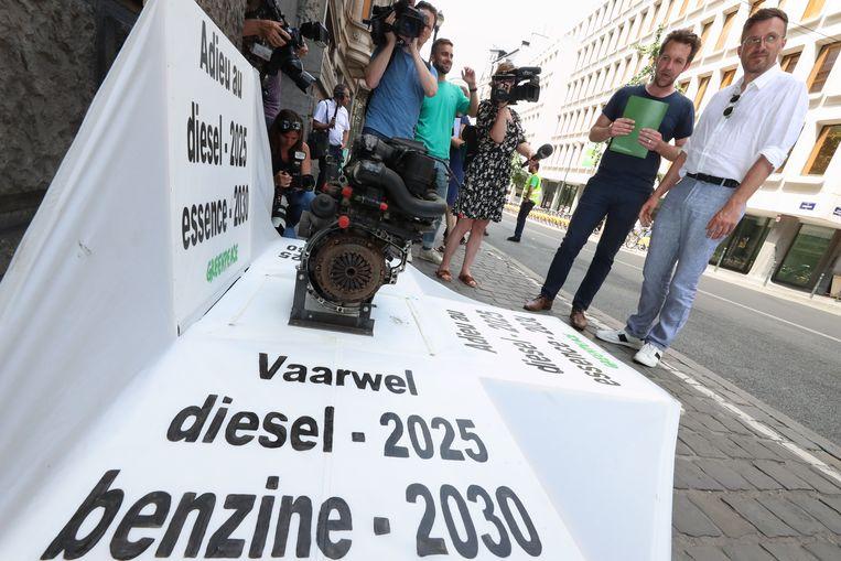 De actie van Greenpeace ging niet onopgemerkt voorbij.
