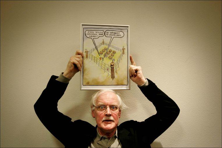 Holtrop won in 2007 de inktspotprijs met een cartoon over de 'veilige grenzen' van Israël. Beeld ANP