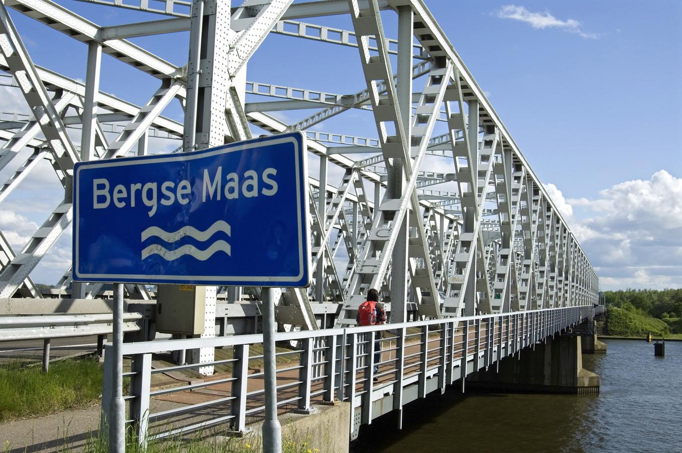 Ook de Keizersveerse brug tussen Hank en Raamsdonksveer moet worden vervangen.