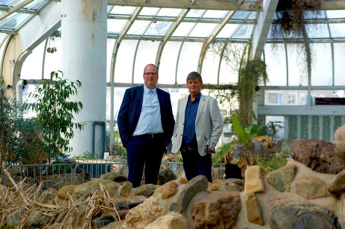 Marco Kramer en Anton de Jong willen het zwembad in ere herstellen.