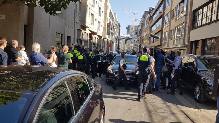 Een klein uur na aankomst was Wilders alweer weg.