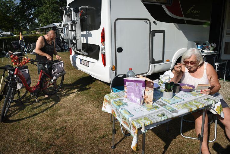 De Achterhoek moet meer Belgen en Duitsers aantrekken. Hier Belgische toeristen op camping Vreehorst.  Beeld null
