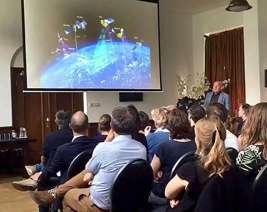 André Kuipers spreekt voor klimaatexperts in  Breda