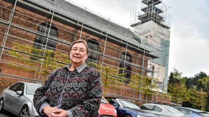 Kerk Onze-Lieve-Vrouw van Zeven Weeën in de steigers voor grote restauratie buiten en binnen