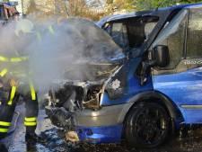 Busje in brand op parkeerplaats hotel Amrâth Breda