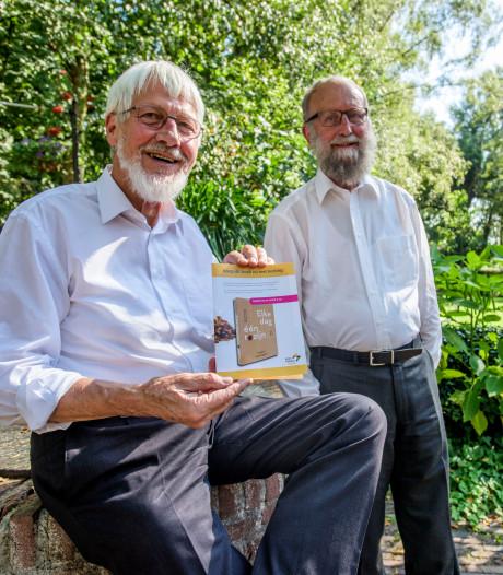 Elke dag een 'rozijn' theologie dankzij boek van twee priesters