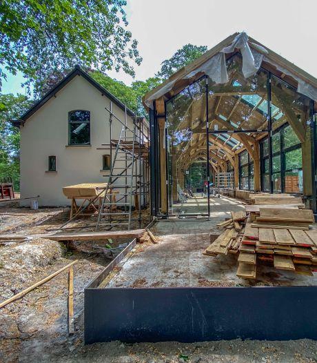 Vredespijp vervangt strijdbijl: bos bij Villa Vredelust in Tilburg krijgt er deze keer bomen bij