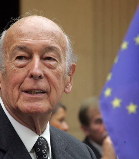 """Les hommages affluent après le décès de Giscard d'Estaing: un """"homme de progrès et de liberté"""""""