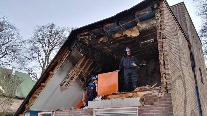 Na de explosie werd onderzoek gedaan in de woning, onder meer op de aanwezigheid van explosieven.