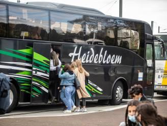 18 extra bussen van autocarbedrijven om schoolspits coronaveiliger te doen verlopen in Oudenaarde