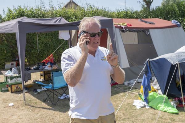 Campingeigenaar Gerard Cobussen in de tijd dat Duin & Strand nog bekend stond als jongerencamping.