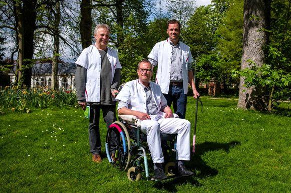 Schepenen Hans Verreyt, Wouter Verbeeck en Geert Verhulst (in rolstoel, omdat het thema dit jaar zorg en gezondheid is).