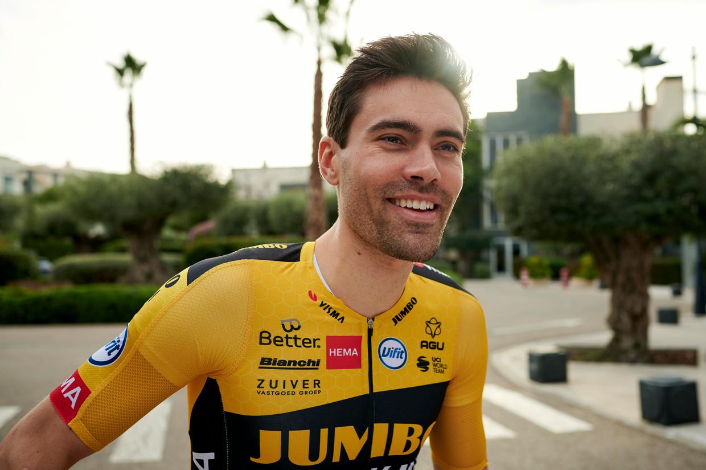 Tom Dumoulin rijdt alweer 'vies hard', ziet voormalig ploeggenoot Sam Oomen.  Beeld Jumbo Visma