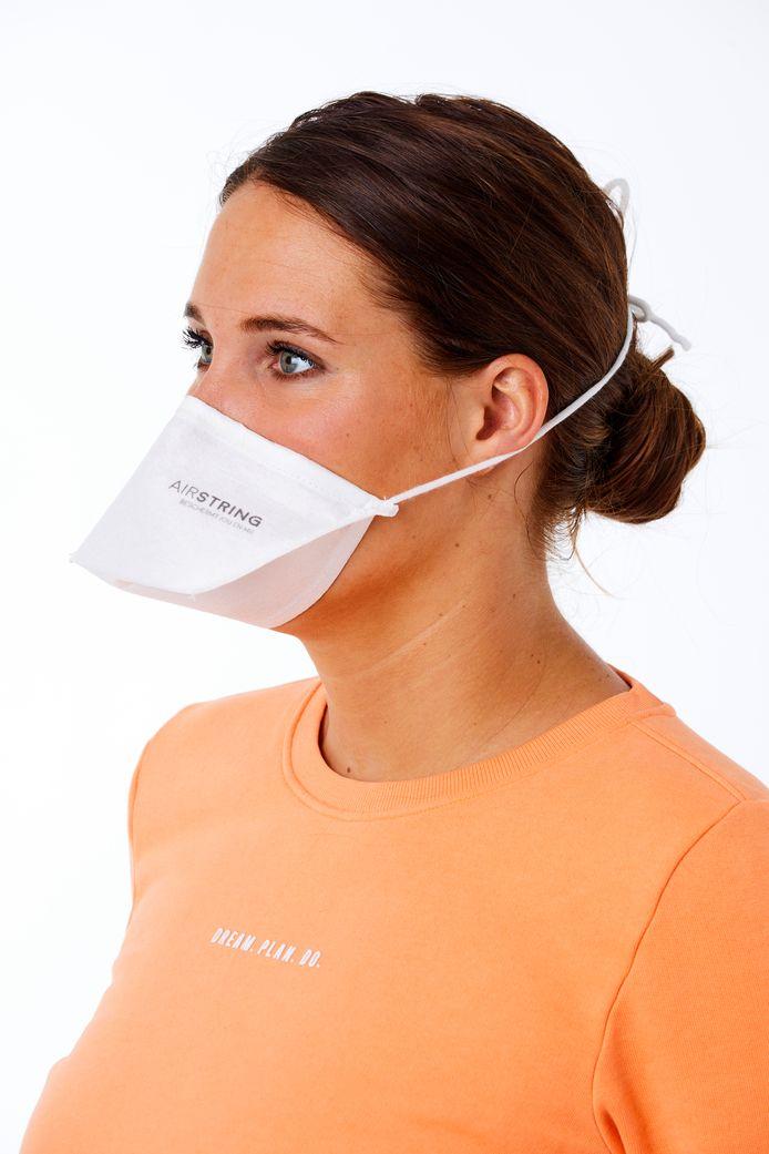 De Airstring, een mondneusmasker van Udenhoutse bodem, heeft de vorm van een eendenbek, wat prettiger ademen zou zijn
