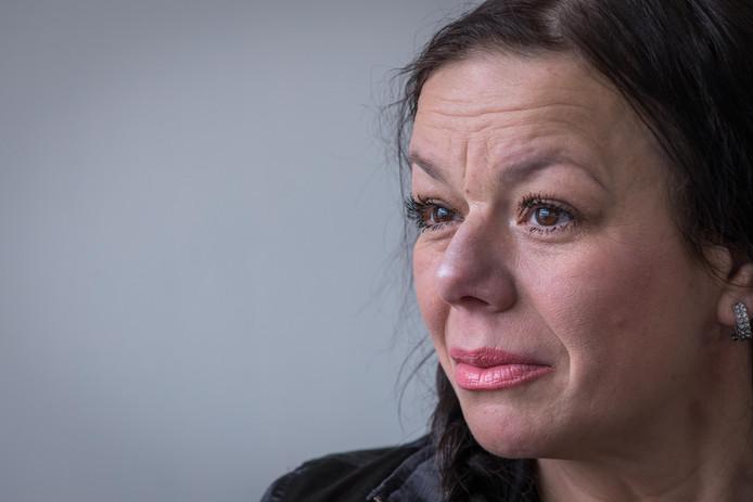 Anne Marie van Veen uit Zwolle deed als eerste kankerpatiënt aangifte tegen de tabaksindustrie.