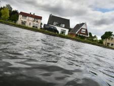 Kanaalbewoners Daarlerveen nog bozer op provincie: nu moet ook boot uit water
