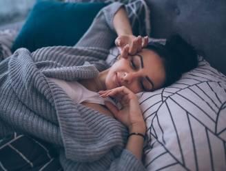 Slaap je slechter met een pyjama en geeft goedkope drank een kater? 7 gezondheidsmythes onder de loep