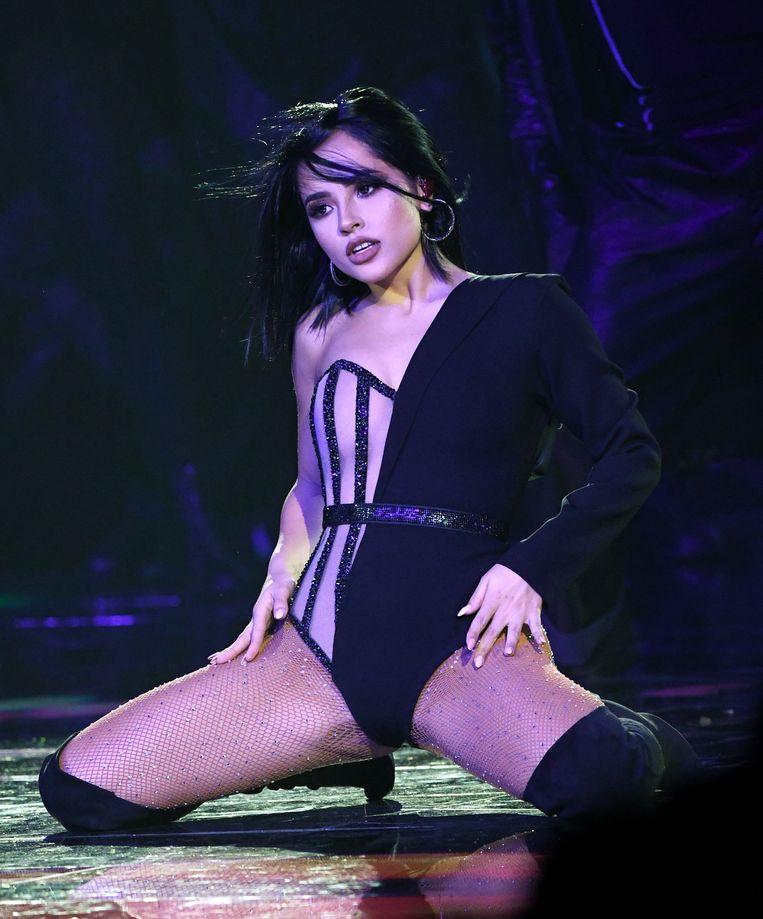 Becky G op het podium.
