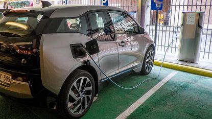 Grote bedrijven zetten in op elektrisch rijden