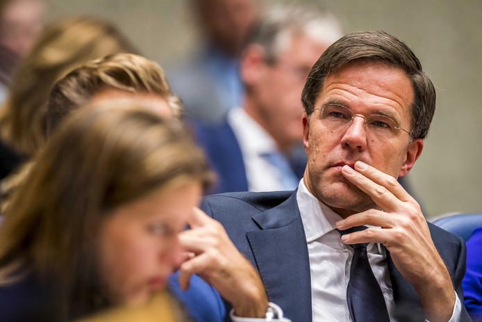Minister-president Mark Rutte moet op de tweede dag van het debat over de regeringsverklaring vol aan de bak.
